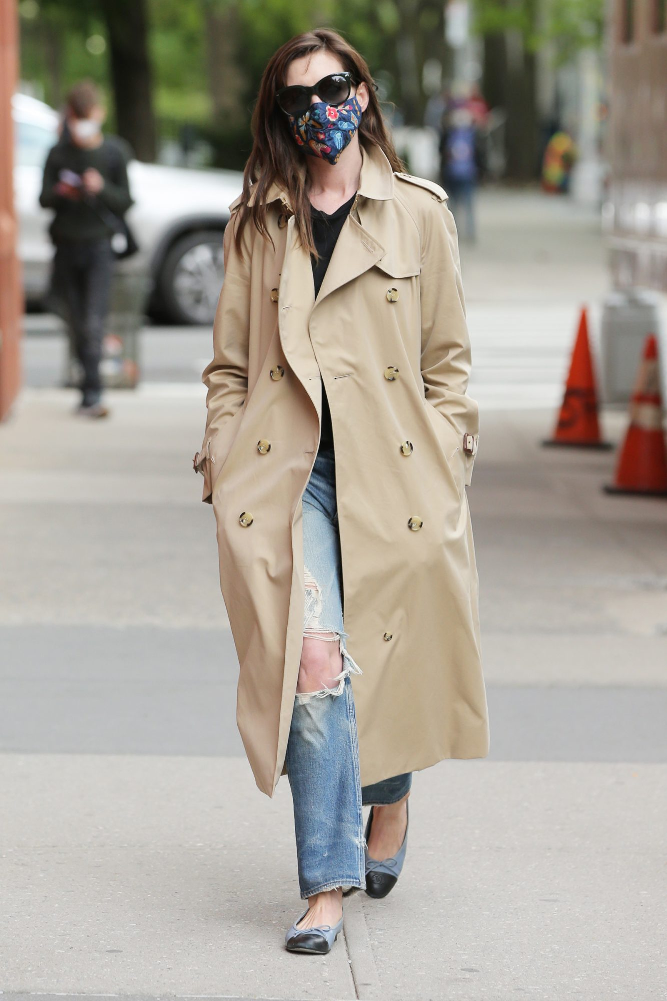 Anne Hathaway In On Set Of Her New Apple Series 'We Work' In New York City