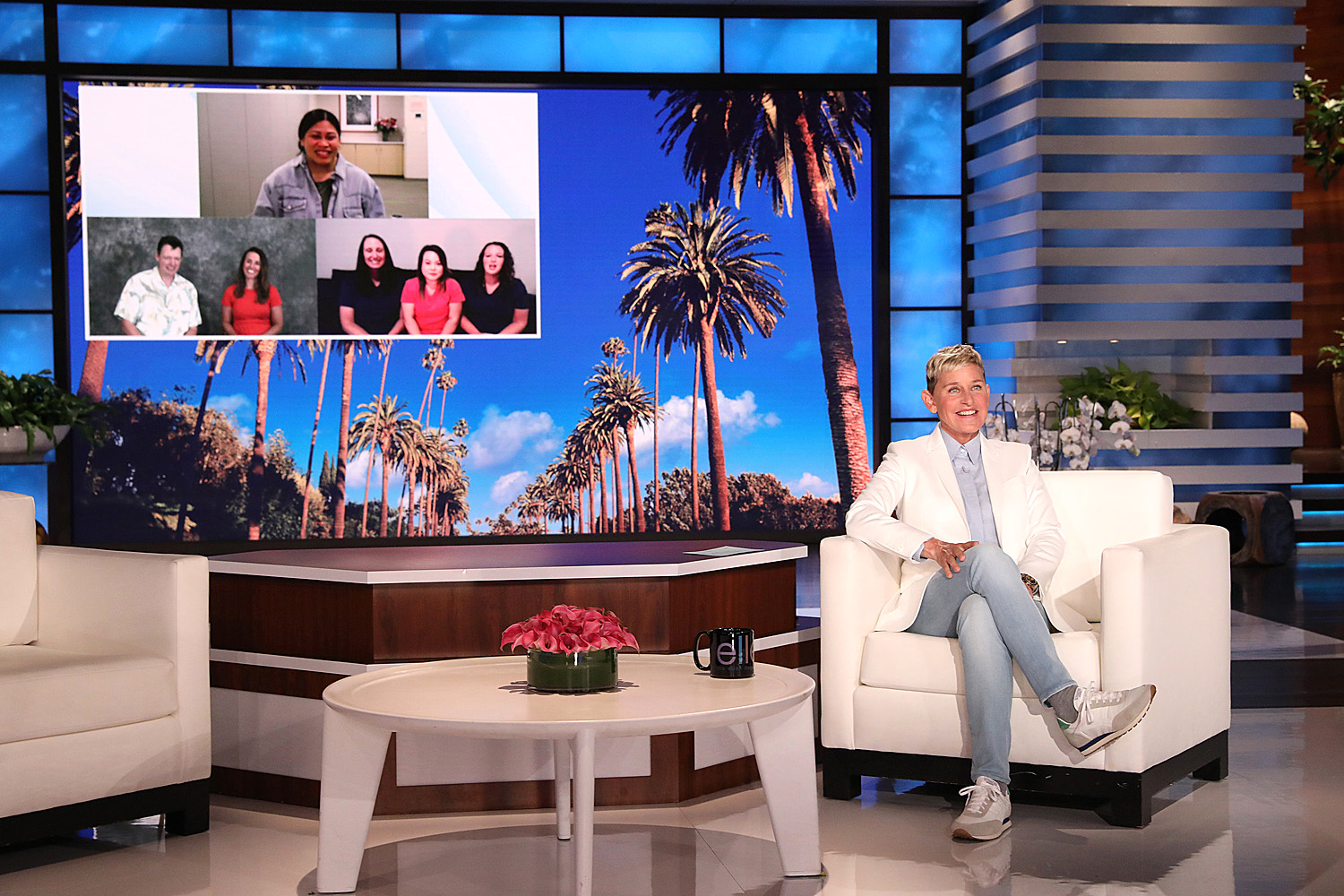 ELLEN Meets Woman Who Gave Birth on Flight to Hawaii & Healthcare Workers Who Helped