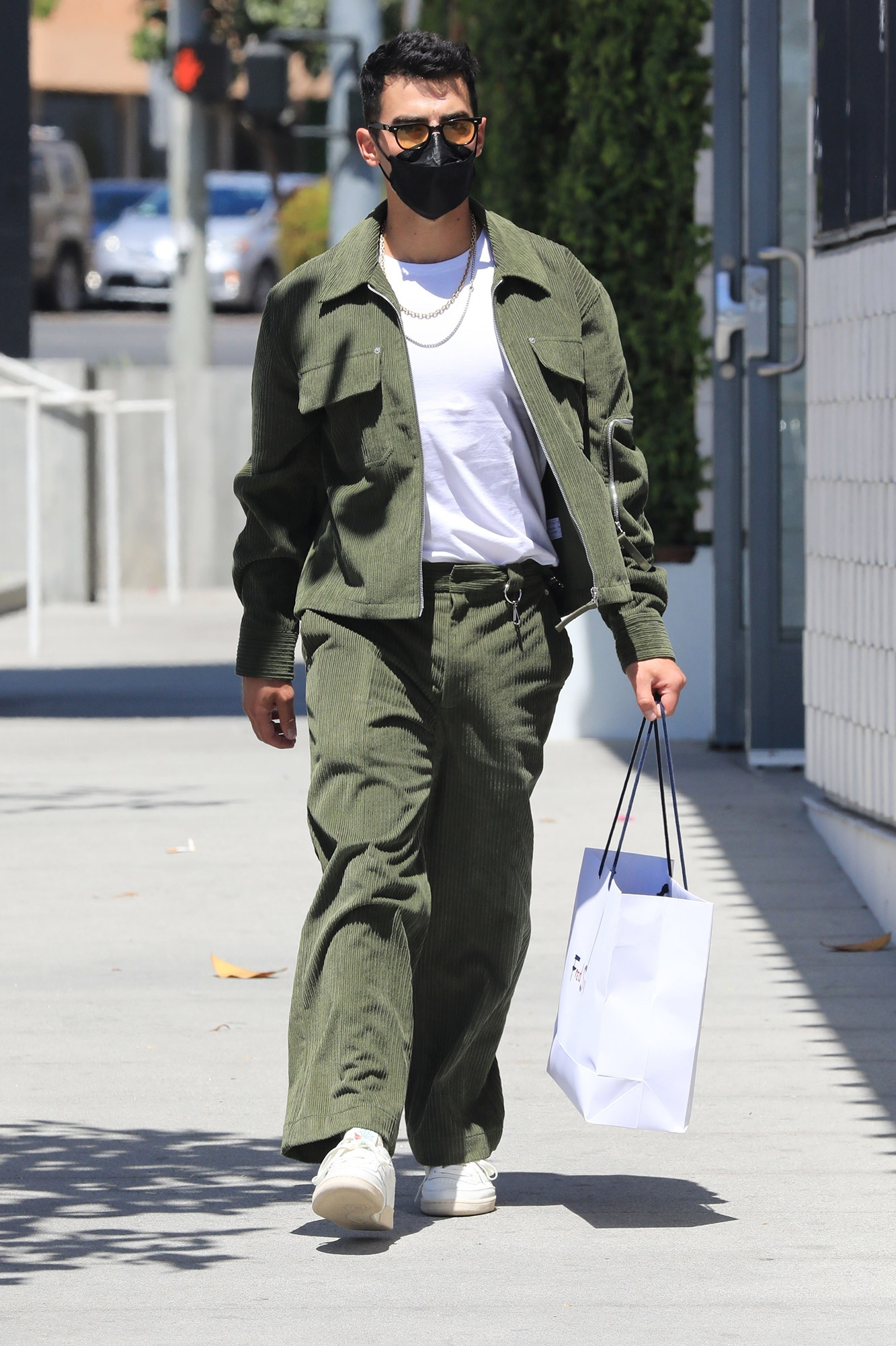 Joe Jonas is a cool cat at Fred Segal West Hollywood!