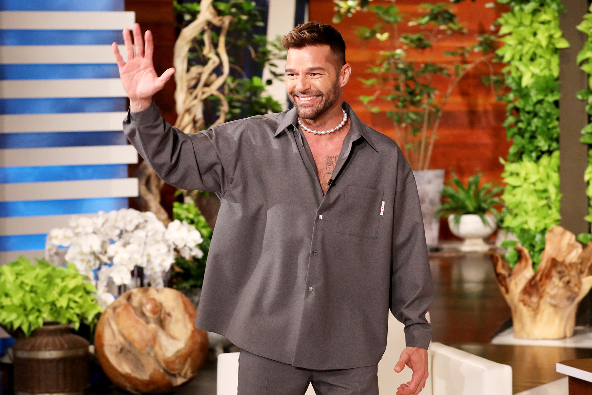 """International pop star Ricky Martin makes an appearance on """"The Ellen DeGeneres Show,"""" airing Monday, June 7th, and surprises Ellen with a delivery of over 3,000+ flowers to celebrate Ellen's 3,000+ shows!"""