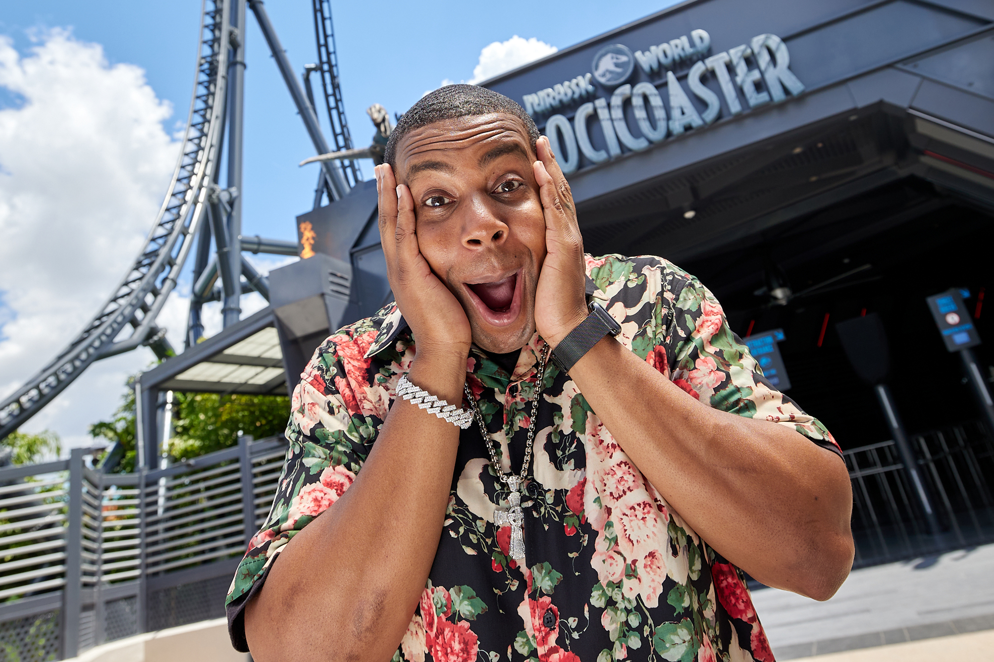 """Comedic superstar Kenan Thompson braved the hunt on the highly-anticipated all-new Jurassic World VelociCoaster, which officially opens today at Universal Orlando Resort's Islands of Adventure theme park. Thompson – a huge fan of Universal Orlando and one of the faces of the destination's """"Let Yourself Woah"""" campaign – enjoyed a preview of the mega-attraction, which catapults guests 155 feet in the air at extreme speeds of up to 70 mph while racing alongside a ferocious Velociraptor pack."""