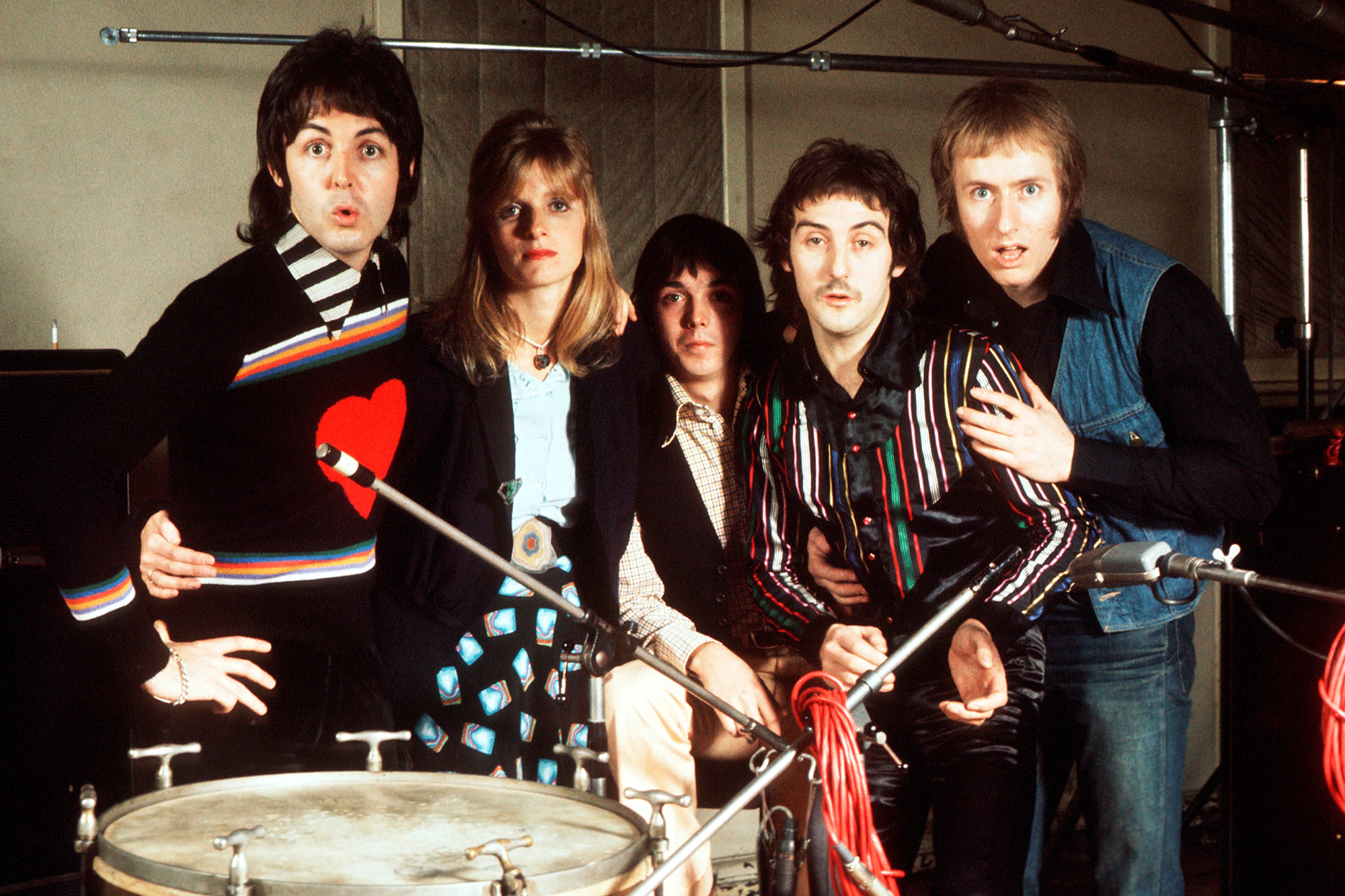 Paul McCartney, Linda McCartney (1941 - 1998), Jimmy McCulloch, Denny Laine and Geoff Britton of Wings in 1974