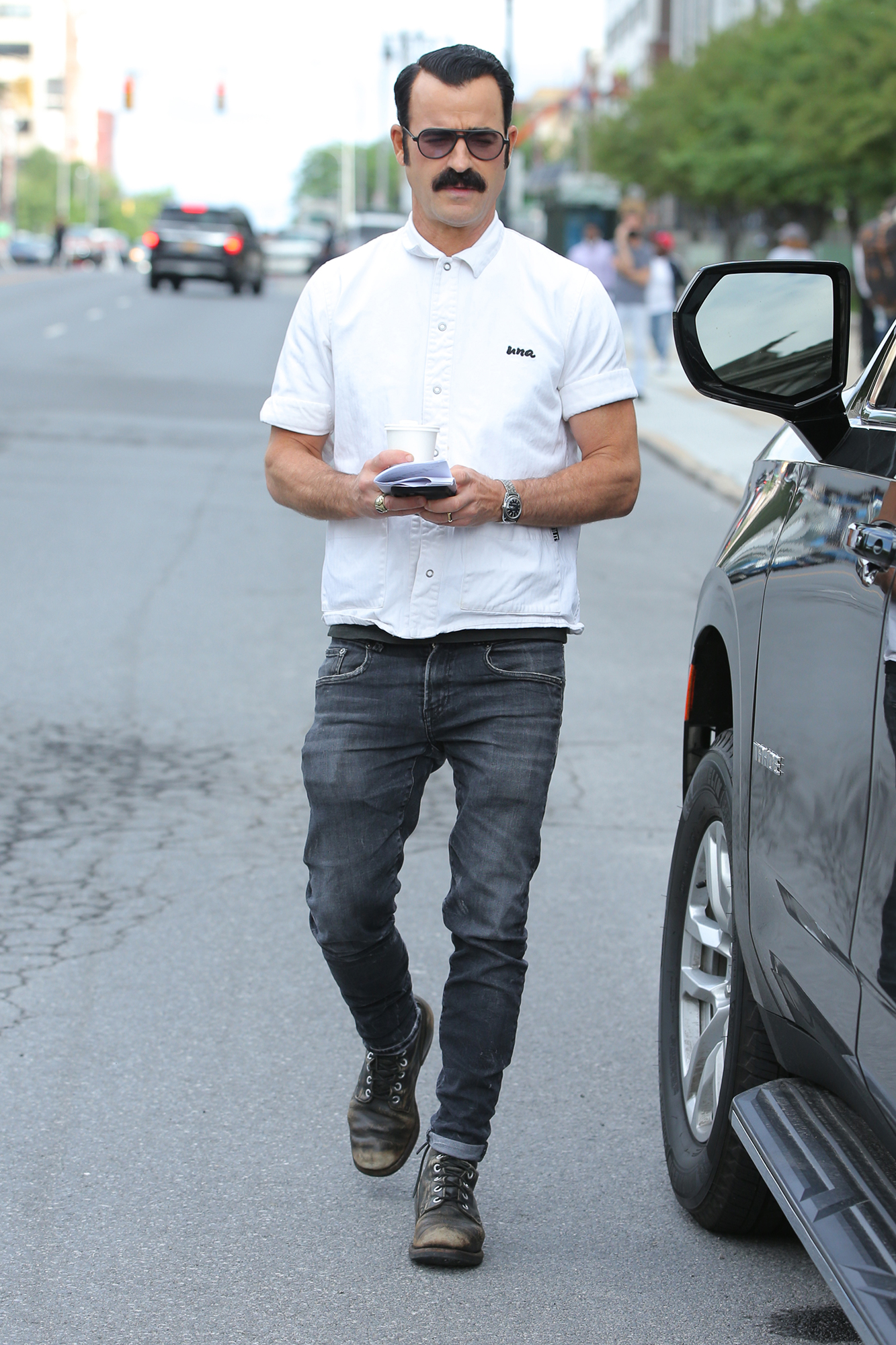 Justin Theroux arrives on set for rehearsals for 'The White House Plumbers' filming in Albany, New York