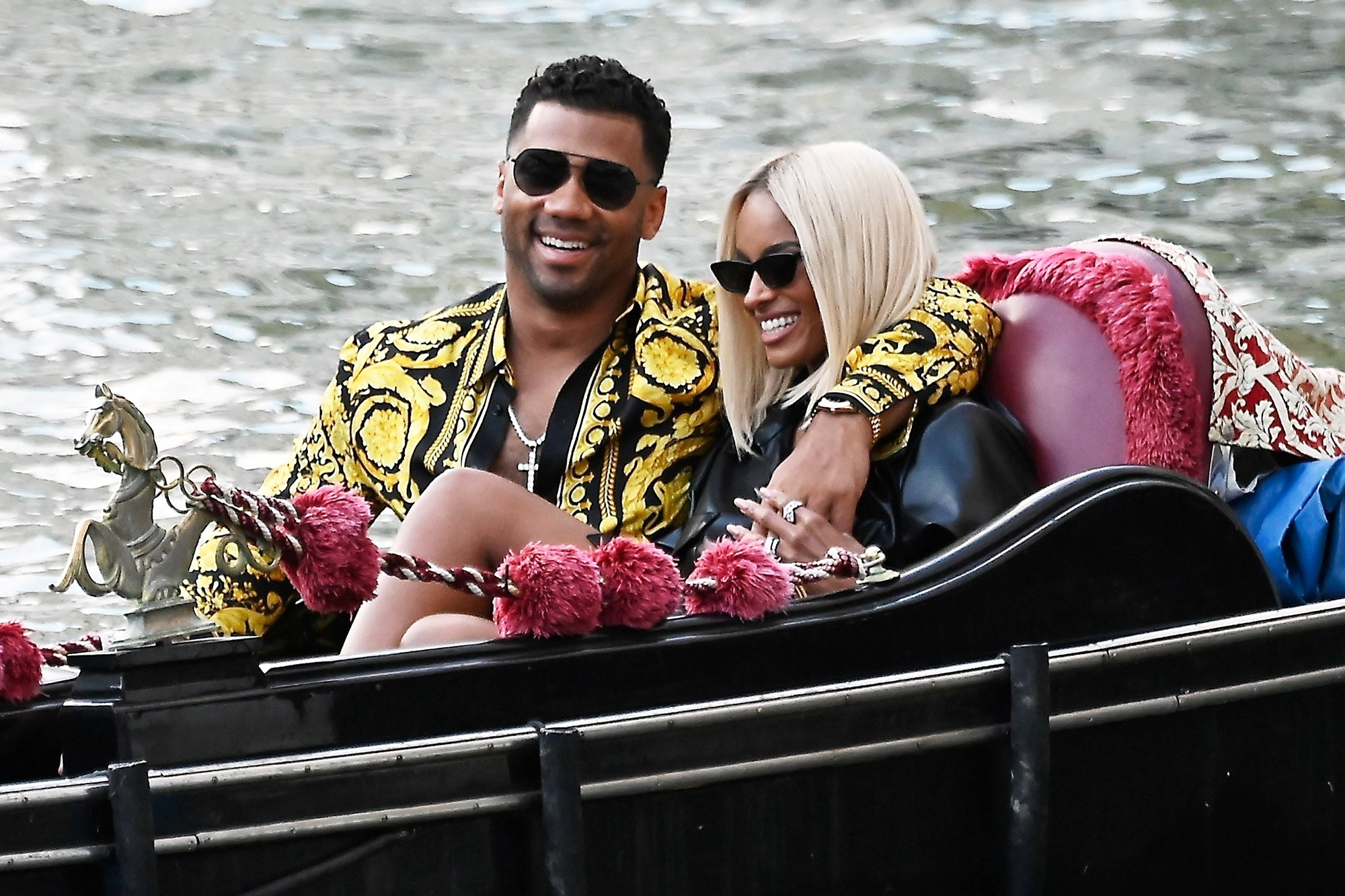 Ciara and Russell Wilson are loved up and packing on the PDA while enjoying Gondola ride in Venice!