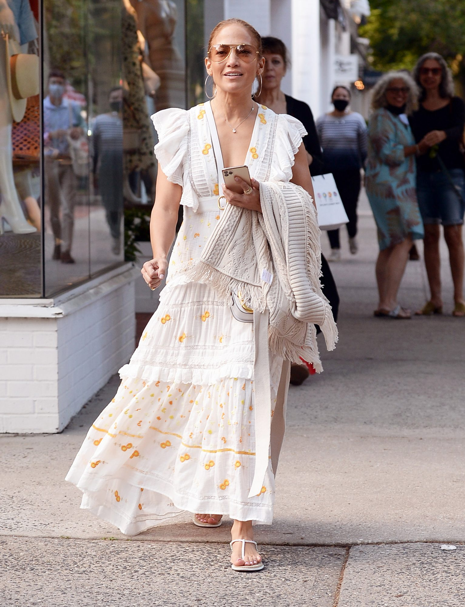 Jennifer Lopez takes her sister Lynda Lopez shopping spree in East Hampton New York a day after The 4th Of July