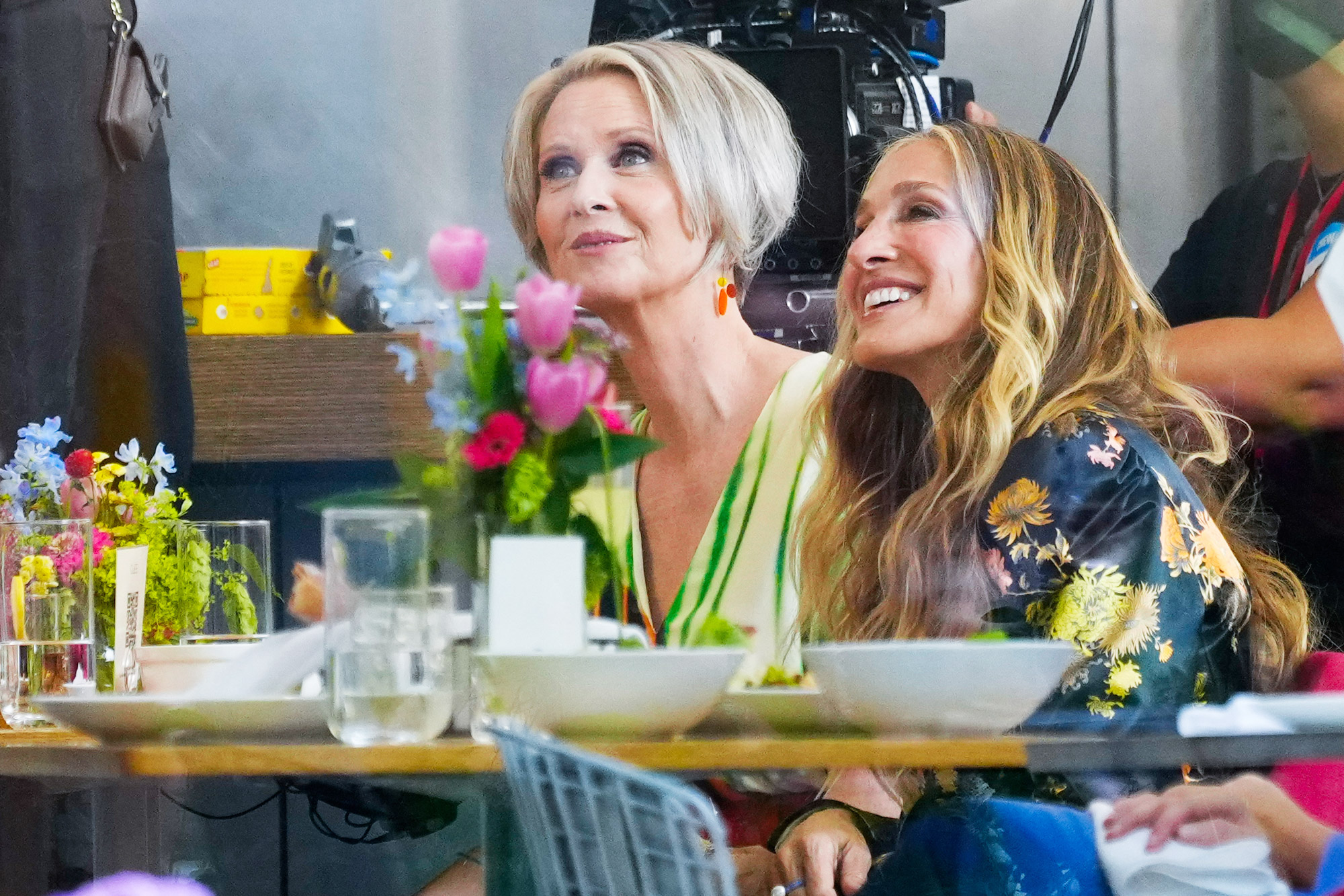 """Sarah Jessica Parker, and Cynthia Nixon work on location filming the series """"And Just Like That..."""" on July 13, 2021 in New York City."""