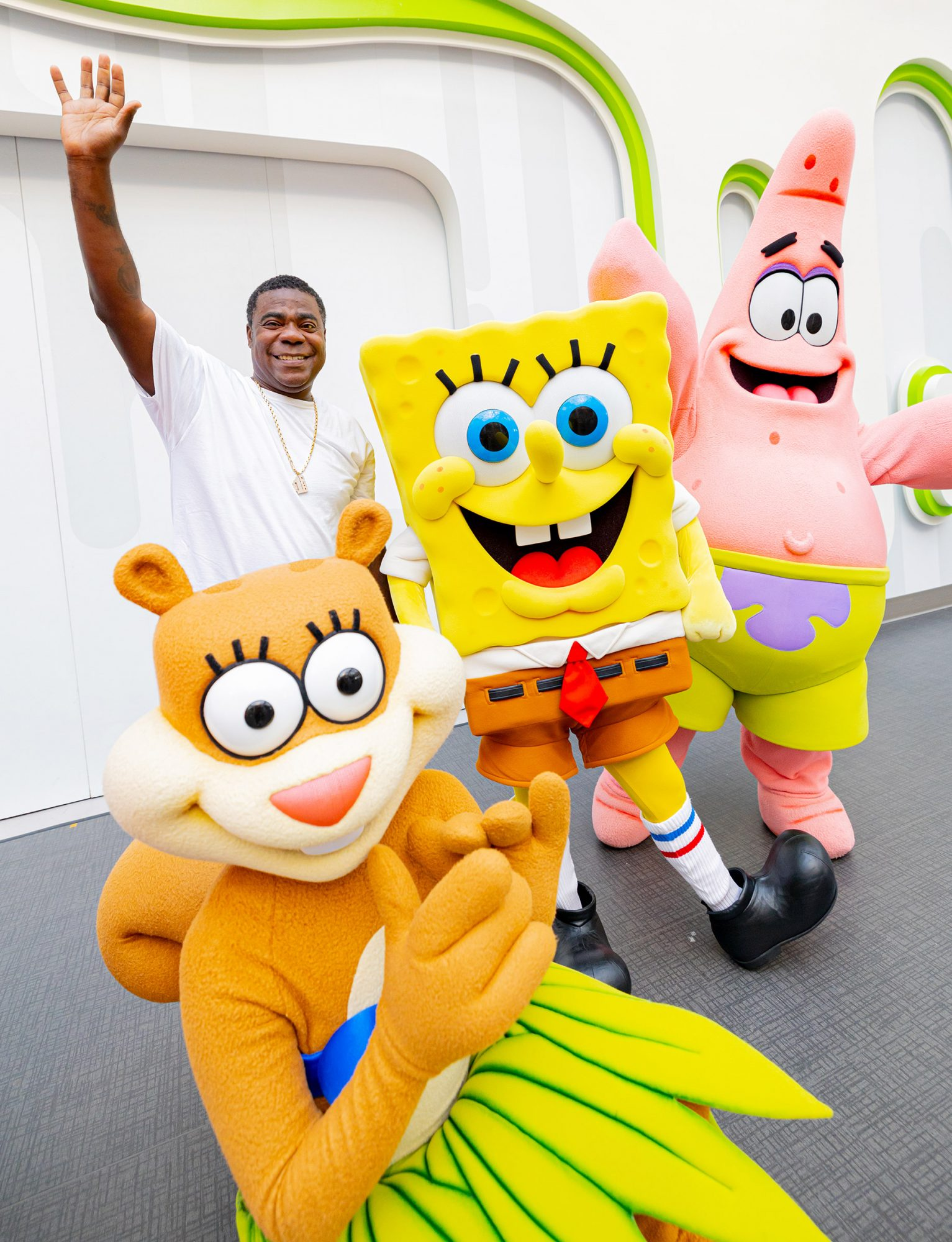 Tracy Morgan wishes SpongeBob SquarePants a happy birthday! The comedian stopped by Nickelodeon Universe Theme Park at American Dream in NJ to join in the festivities at SpongeBob's Big Birthday Blowout.
