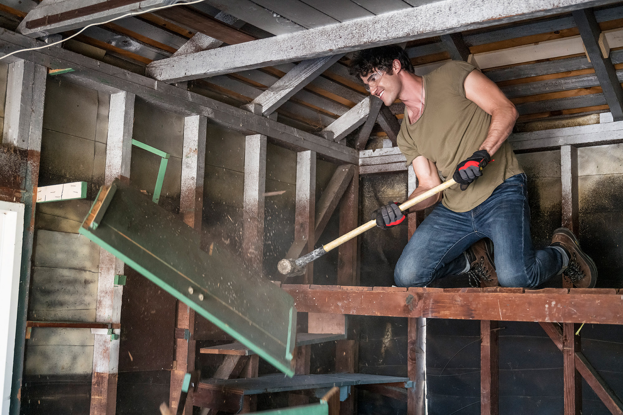 Darren Criss Bursts Into Song While Renovating Manager's Home on Celebrity IOU