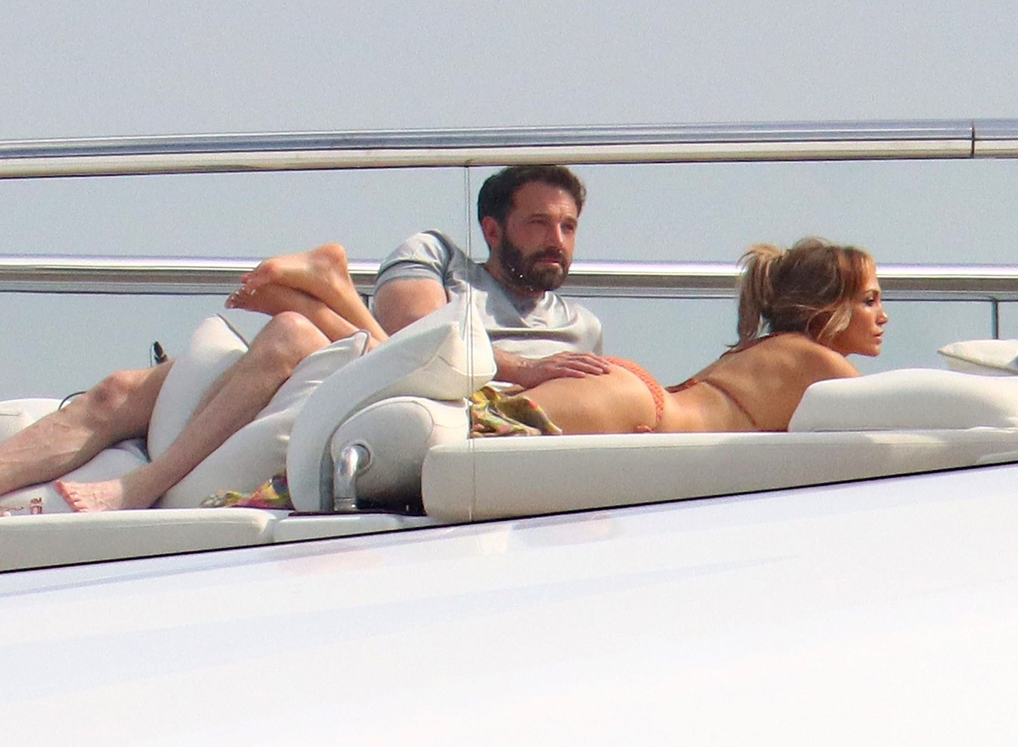 Jennifer Lopez and Ben Affleck brought their PDA to St Tropez!
