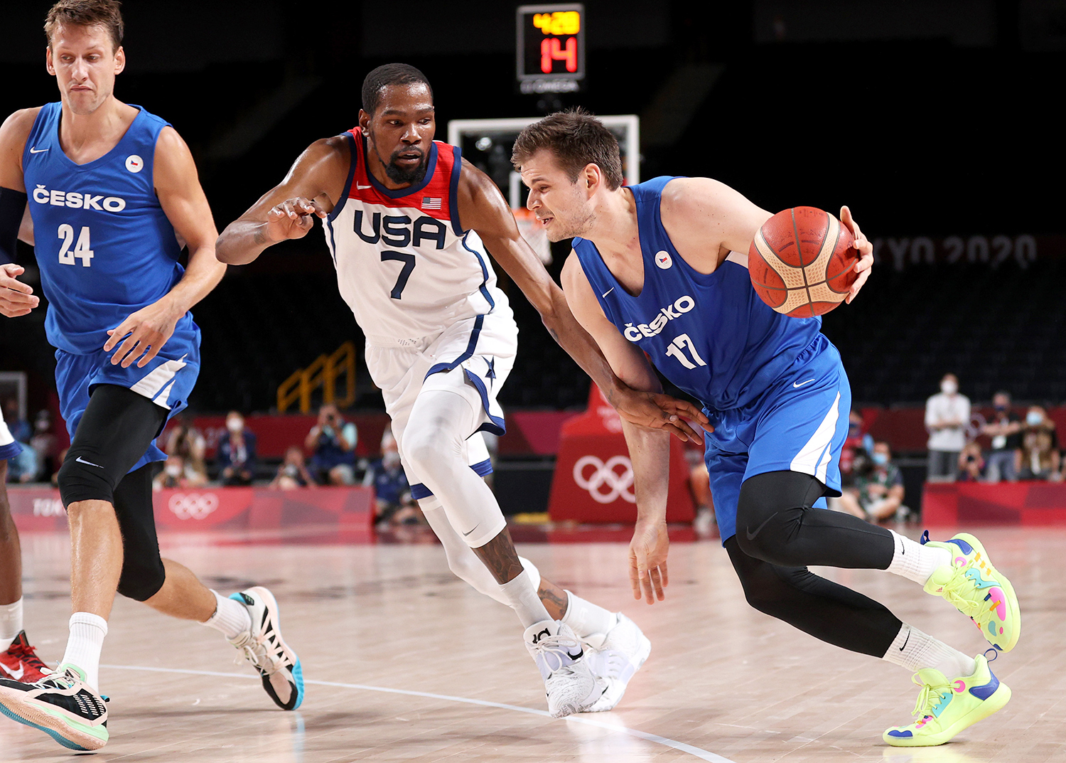 Jaromir Bohacik #17 of Team Czech Republic drives to the basket against Kevin Durant #7 of Team United States during the first half of a Men's Basketball Preliminary Round Group A game on day eight of the Tokyo 2020 Olympic Games at Saitama Super Arena on July 31, 2021 in Saitama, Japan.