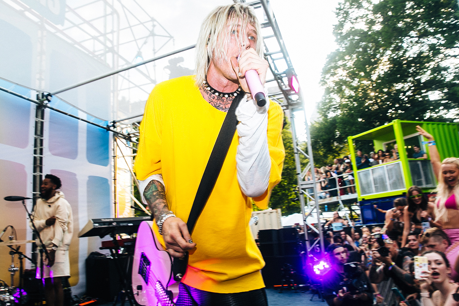 Machine Gun Kelly took to the Bud Light Seltzer Sessions Stage at Lollapalooza to surprise & delight his fans with a secret performance highlighting his biggest hits on Saturday, July 31, 2021.