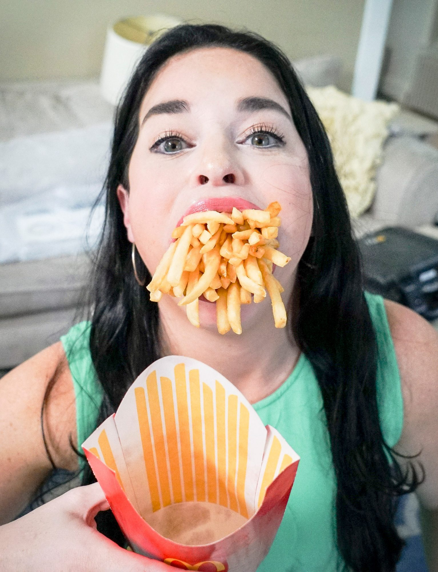 If you're ever scrolling through TikTok and encounter a woman with style, a sense of humor, and an incredibly large mouth, you've most likely stumbled upon GUINNESS WORLD RECORDS™ title holder Samantha Ramsdell.