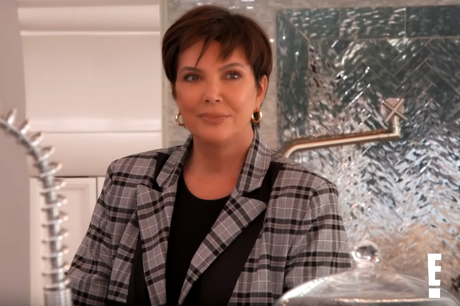 """Kris Jenner Reminisces About """"KUWTK"""" House After Selling It"""
