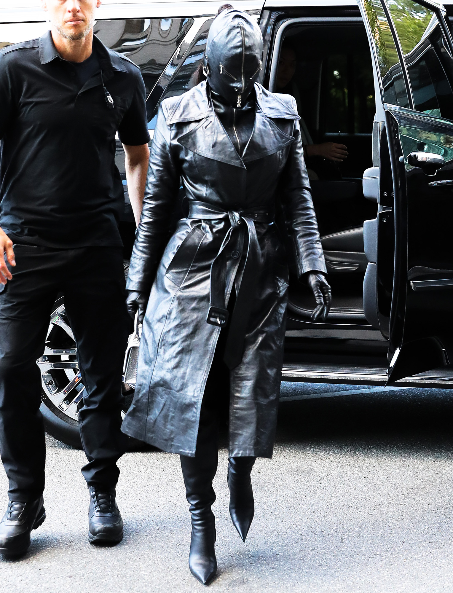 Kim Kardashian Covered head to toe with a leather suit while arrives at her hotel in NYC. 11 Sep 2021