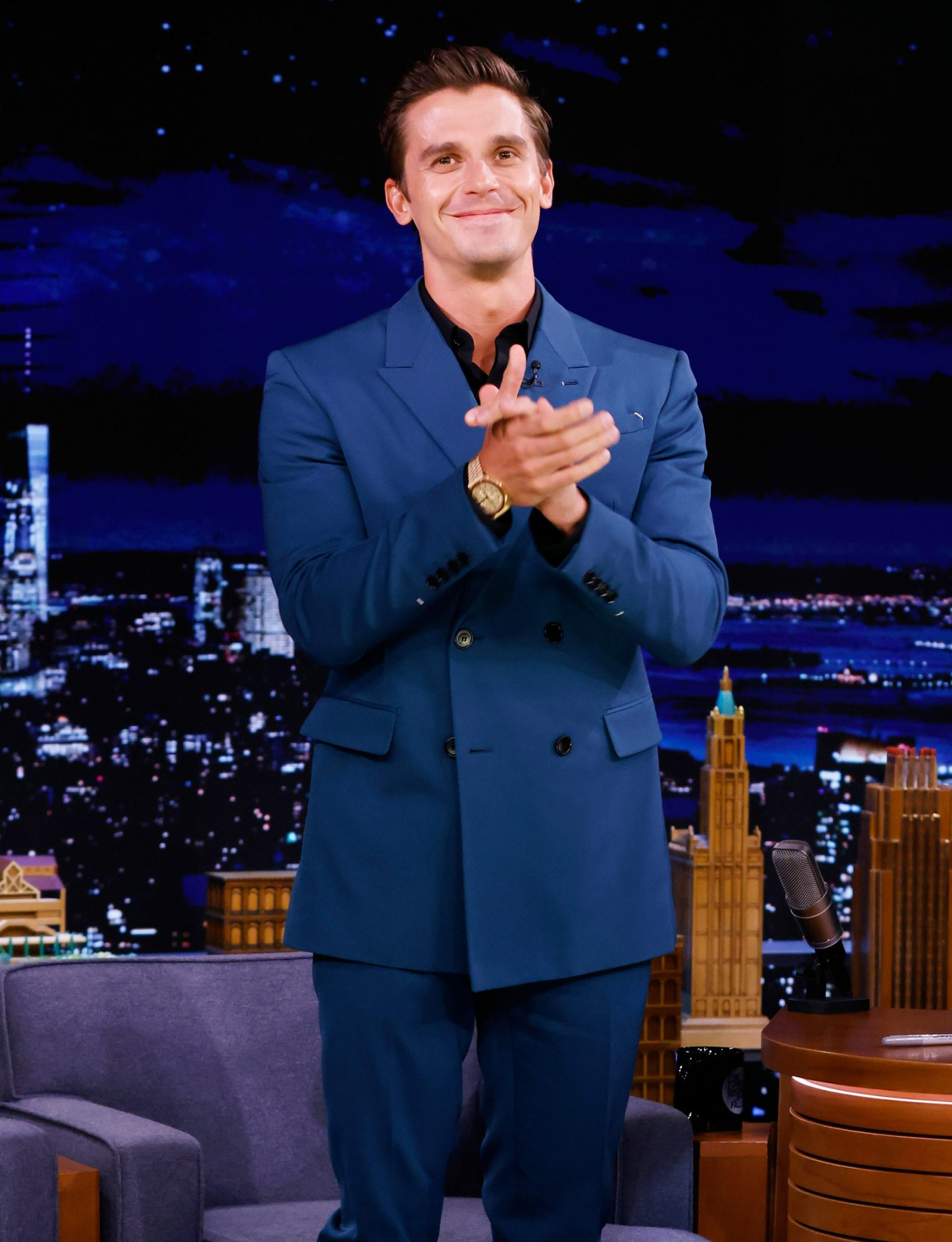 THE TONIGHT SHOW STARRING JIMMY FALLON -- Episode 1514 -- Pictured: Television personality Antoni Porowski arrives on Tuesday, September 14, 2021