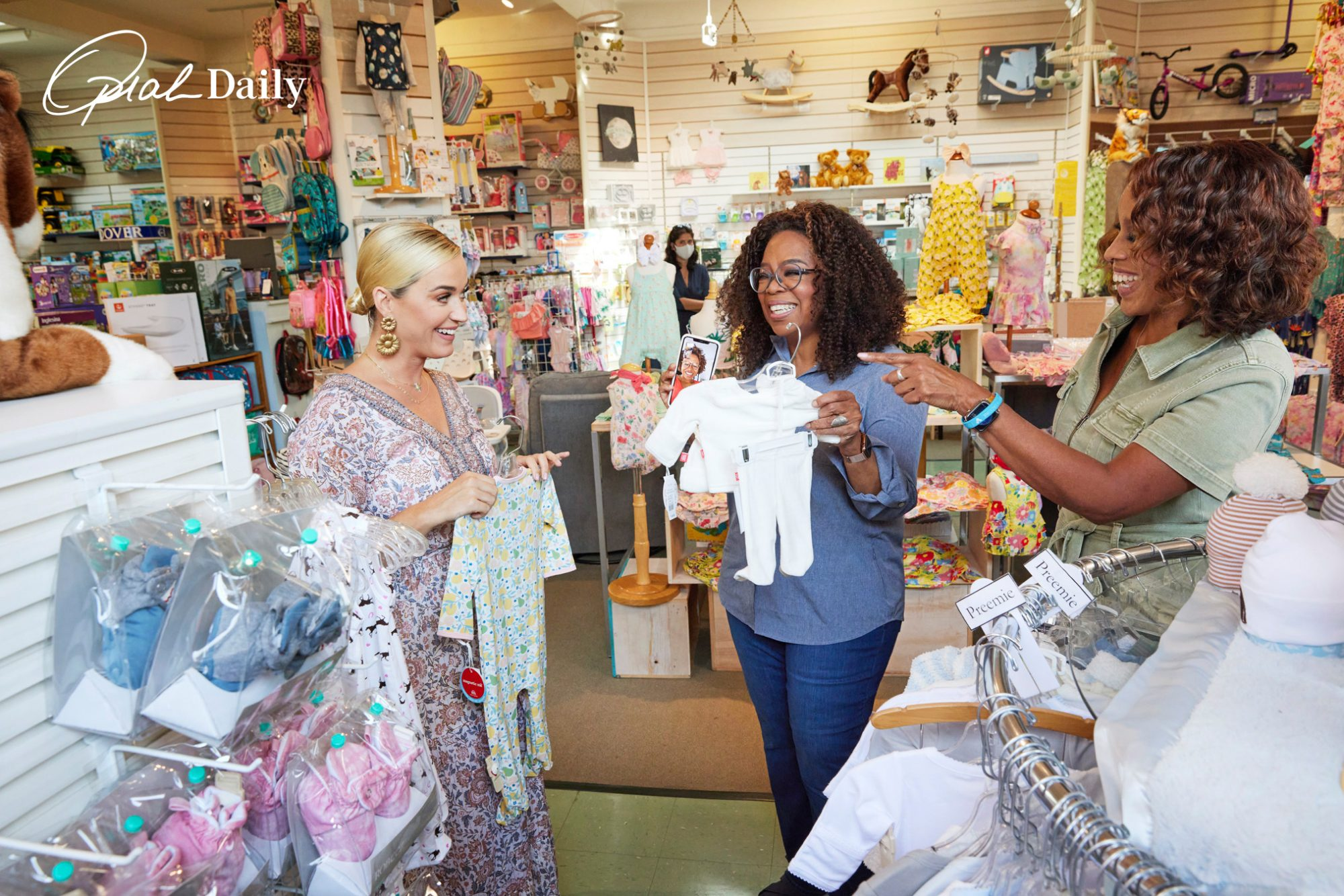 Katy Perry Shops with Oprah and Gayle for baby products