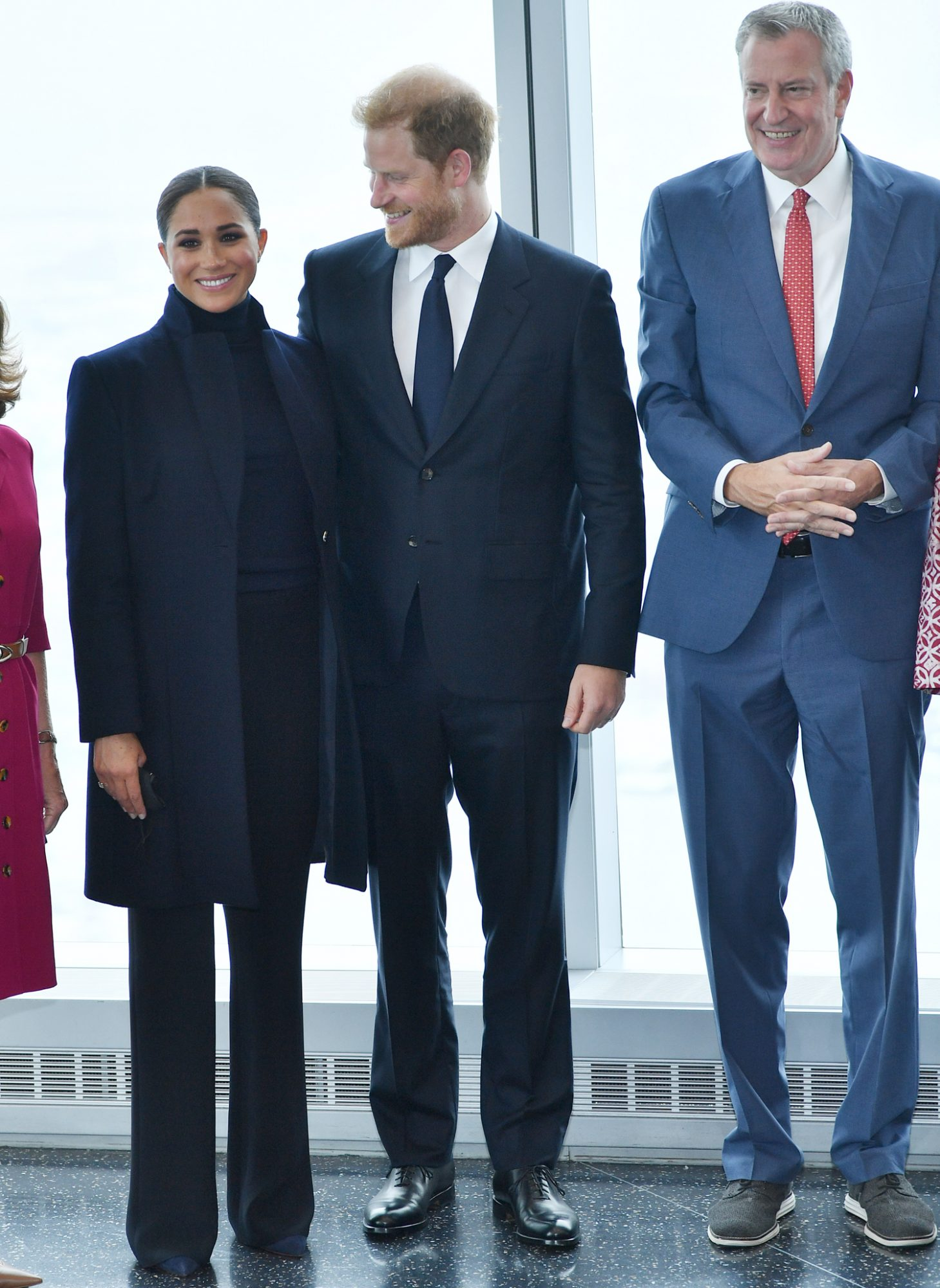 Meghan, Duchess of Sussex and Prince Harry, Duke of Sussex pose with NYC Mayor Bill De Blasio at One World Observatory