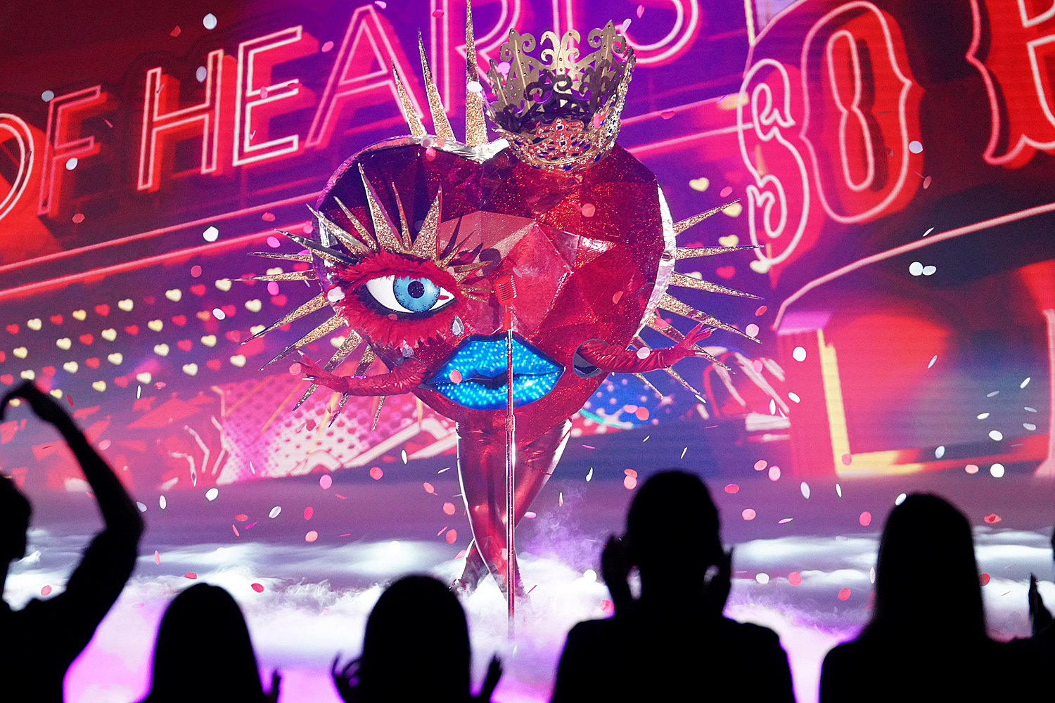 THE MASKED SINGER: Queen Of Hearts