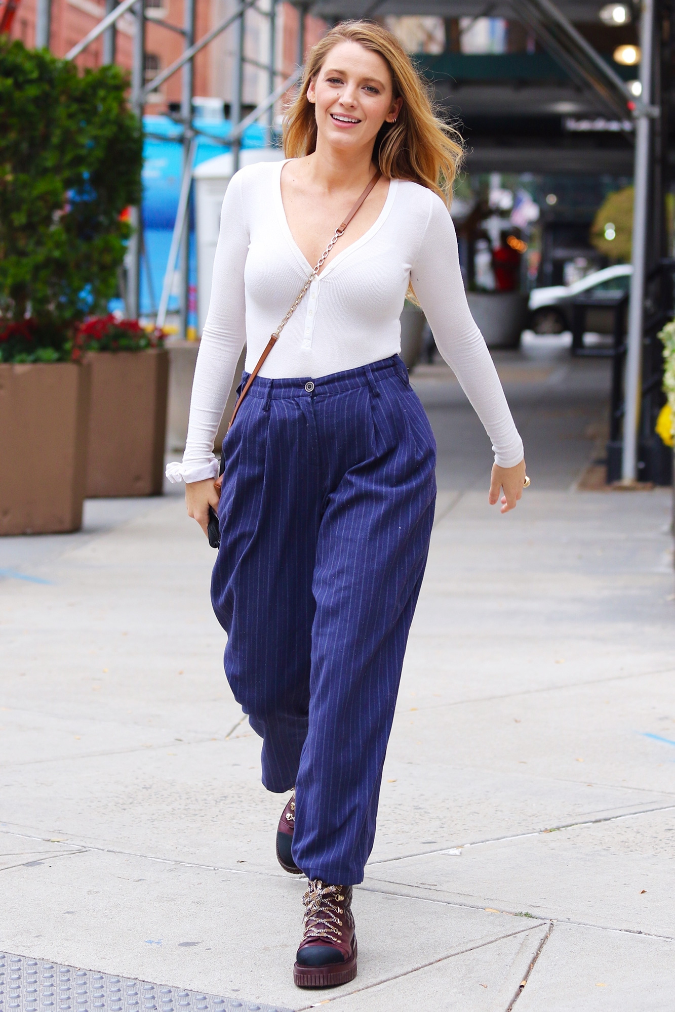 Blake Lively looks stylish and is all smiles while running errands around Manhattan's Downtown area.
