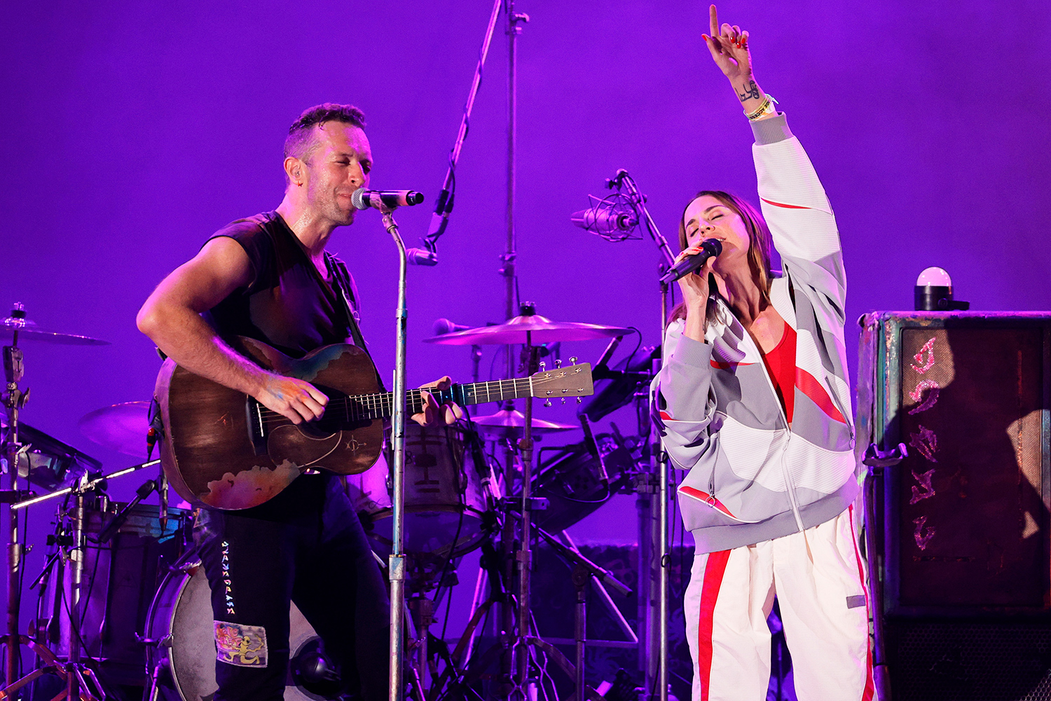 """Chris Martin of Coldplay and Melanie C perform onstage during the 8th annual """"We Can Survive"""" concert hosted by Audacy at Hollywood Bowl on October 23, 2021 in Los Angeles, California."""