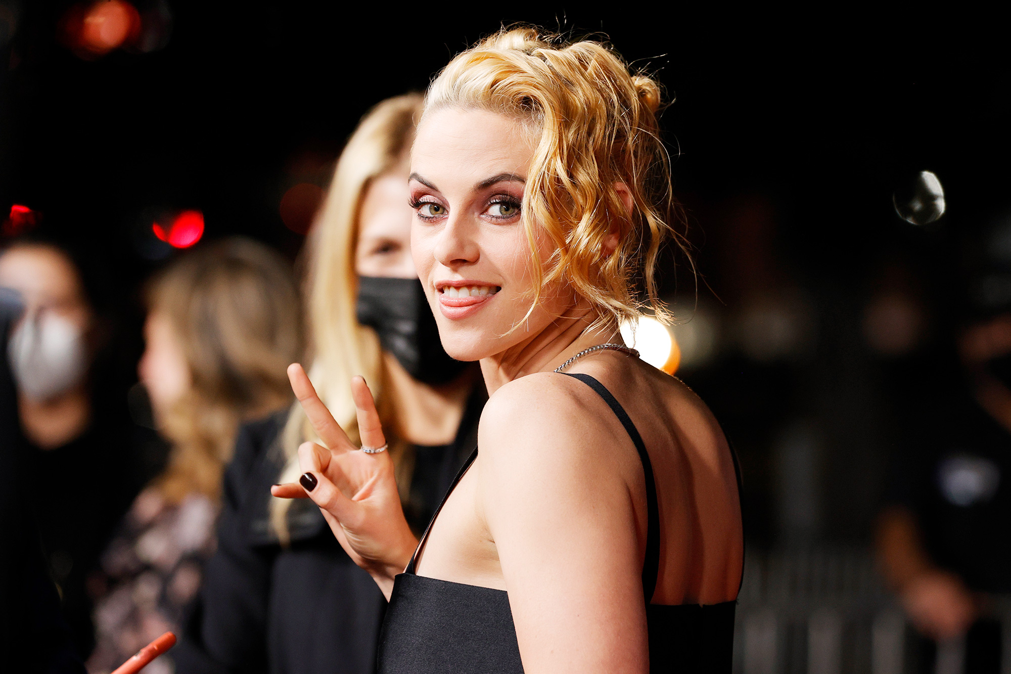 """Kristen Stewart attends the Los Angeles premiere of Neon's """"Spencer"""" at DGA Theater Complex on October 26, 2021 in Los Angeles, California"""