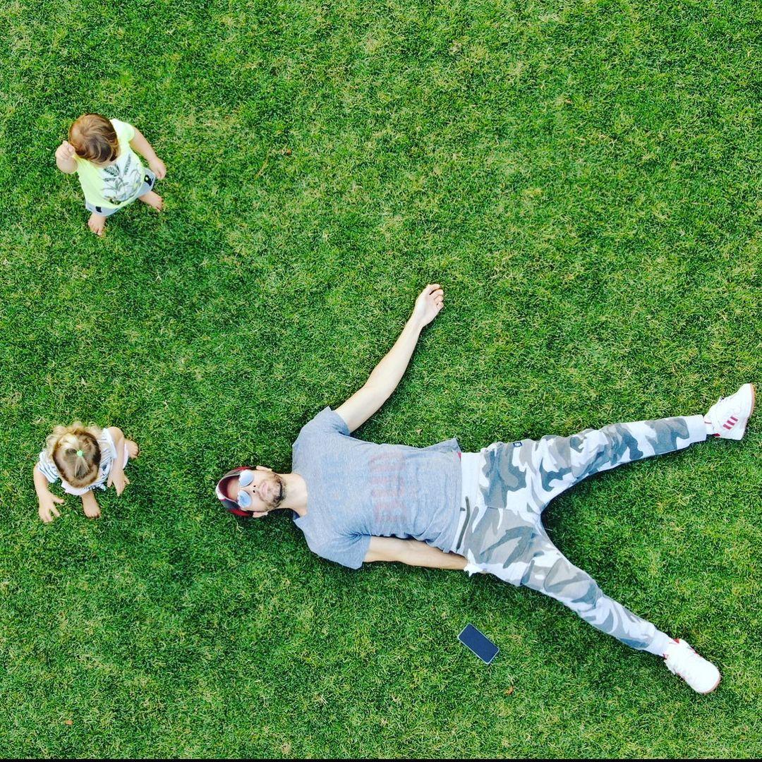 Enrique Iglesias and kids