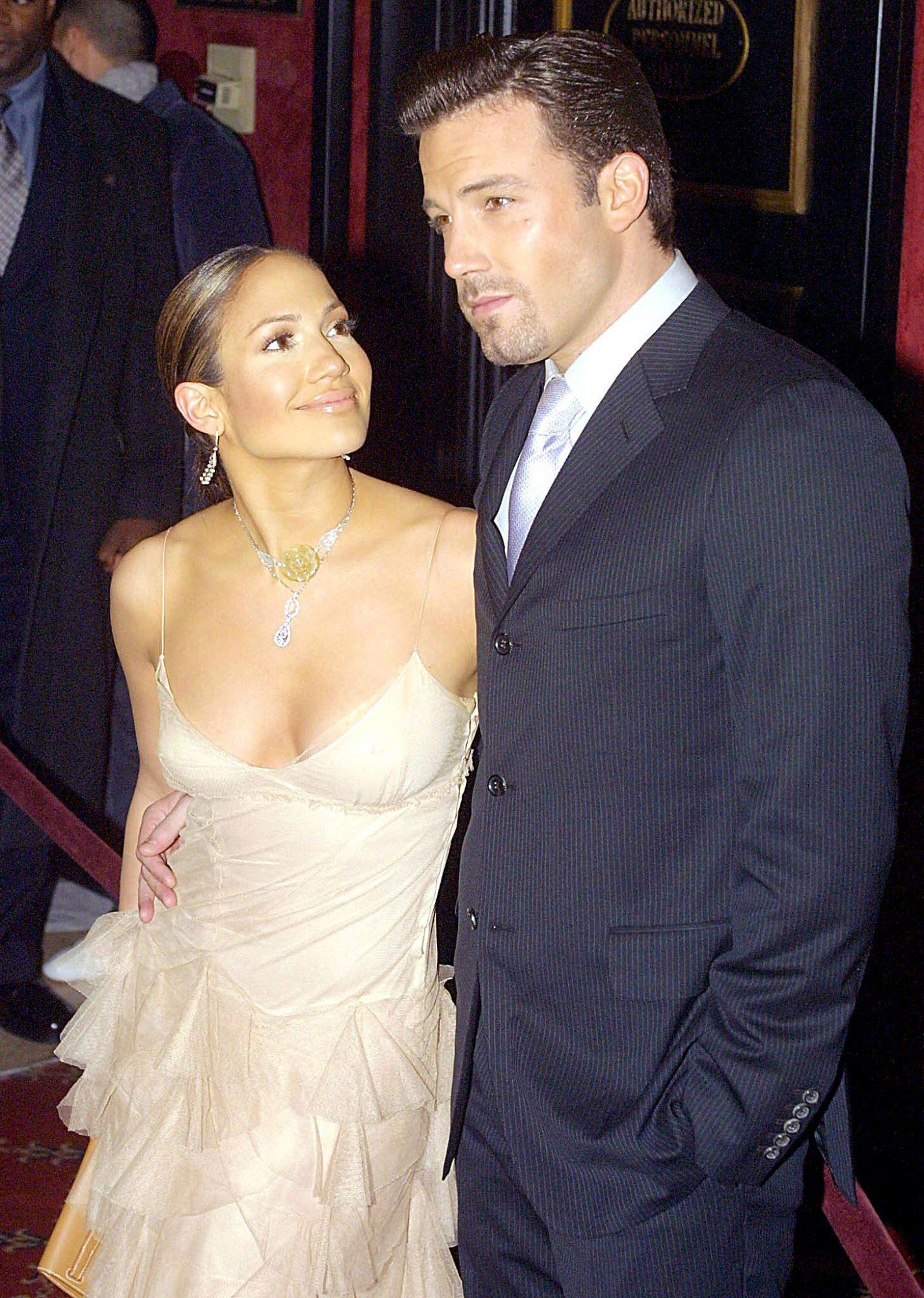 "Jennifer Lopez and Ben Affleck Have a ""Great Time"" Together"