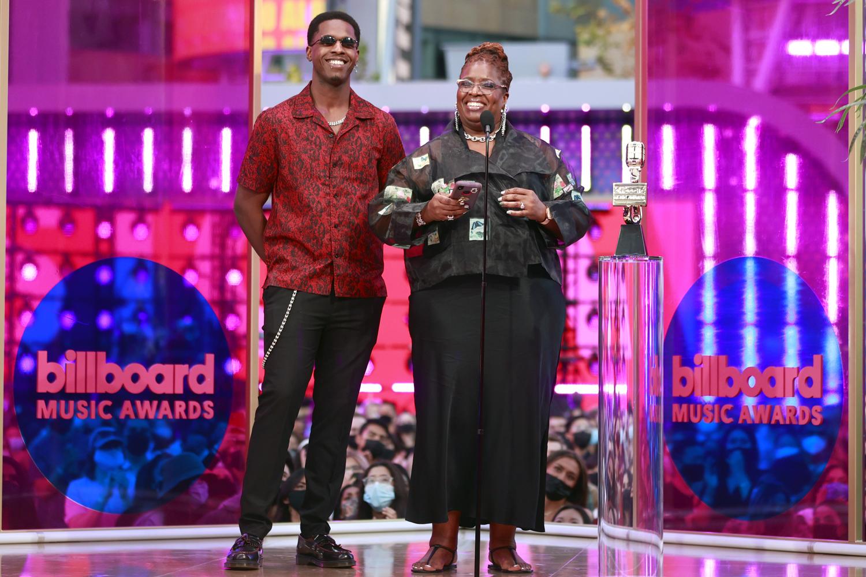 2021 Billboard Music Awards - Salon