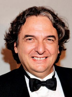 Gregory Nava (El director)
