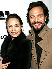 Talisa Soto y Benjamin Bratt