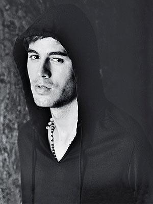 (1) Enrique Iglesias