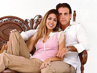 Carlos Ponce y su esposa, Verónica, a fines del 2005.