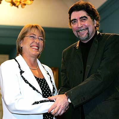 Michelle Bachelet y Joaquín Sabina