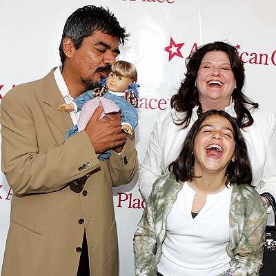 George López y su familia
