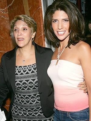 Guadalupe López y su hija Lynda