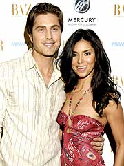 Eric Winter y Roselyn Sánchez