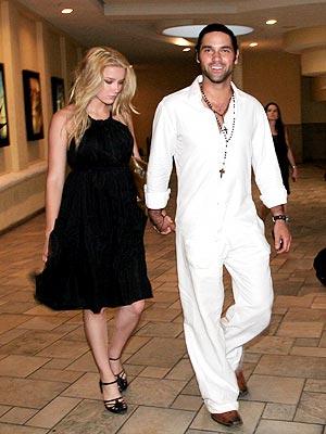 Valentino Lanús y su nueva novia