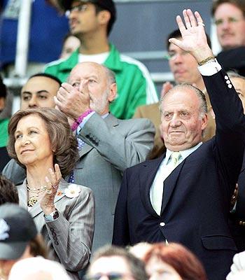 Los reyes de España en el partido de España y Arabia Saudita.