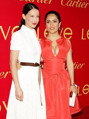 Salma Hayek y Ashley Judd en Nueva York.