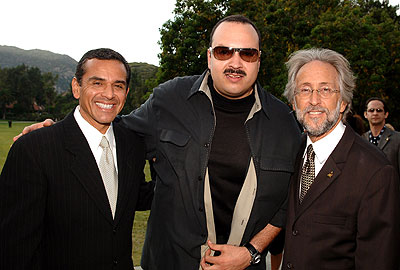 Antonio Villaraigosa, Pepe Aguilar y Neil Portnow