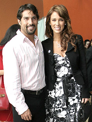 Arturo Carmona y Jacqueline Bracamontes