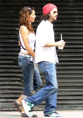 Bárbara Mori y José María Torre paseando por Ciudad de México.