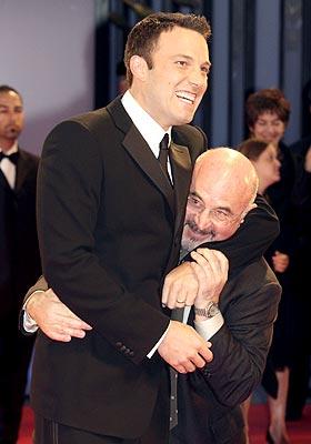Ben Affleck y Bob Hoskins en Venecia.
