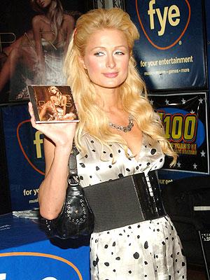 Paris Hilton, CANTANTES FRUSTRADOS