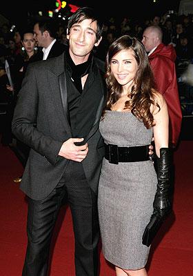Adrien Brody y Elsa Pataki