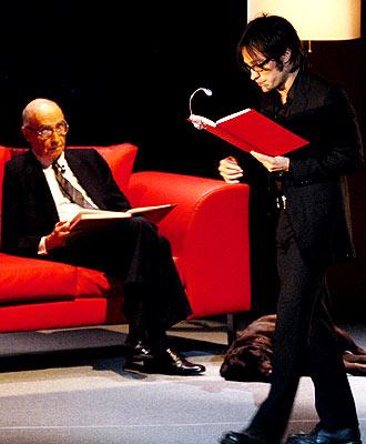 Gael García Bernal y José Saramago (izq.).