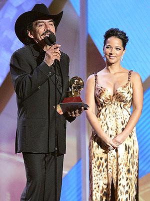 Joan Sebastian y Adamari Lopez