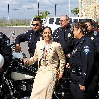 Apegada a la ley