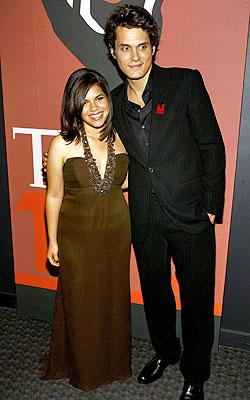 America Ferrera y John Mayer