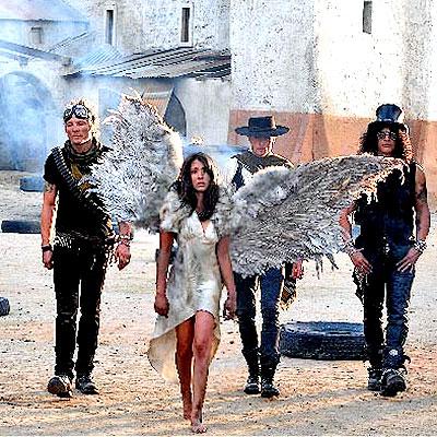 Fernanda Romero con Guns y Roses
